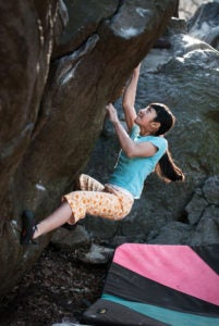 Ashima Shiraishi sends the author's project, The Wave/Ashimandala (V11) at Rat Rock, Central Park. Photo: François Lebeau.