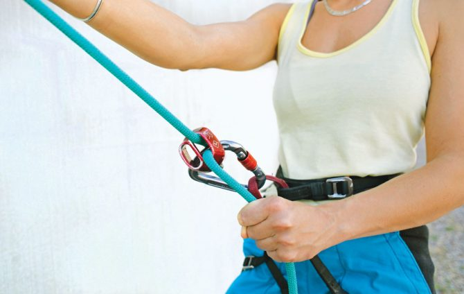Kinks Be Gone! How to Rappel and Lower Without Twisting the Rope