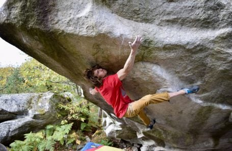 Taylor McNeill Sends The Big Island (8C/V15), Fontainebleau, France