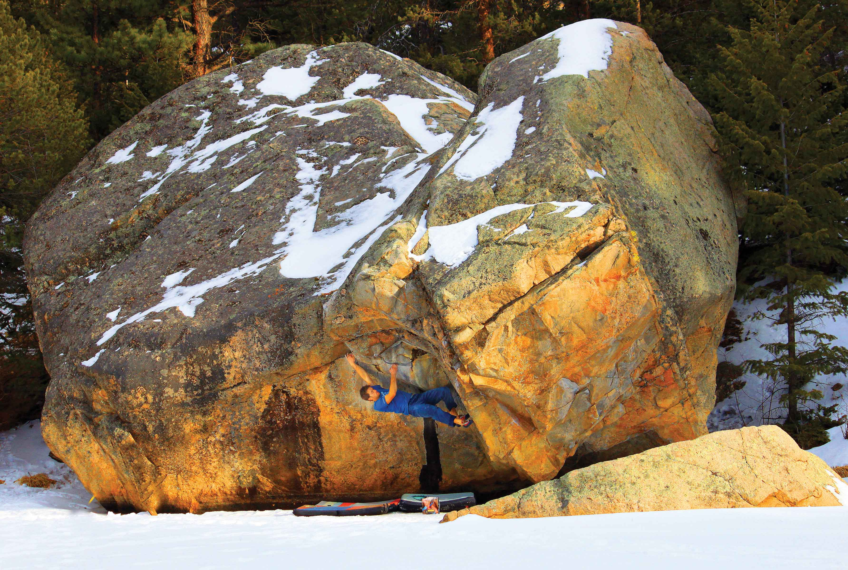 Colin Chorvat getting spun around on the impeccable Iron Helix (V6) at The Bog. Photo: Paul Dusatko.