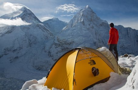 In Ueli's Footsteps: Tenji Sherpa and Jon Griffith to Attempt Everest-Lhotse Traverse