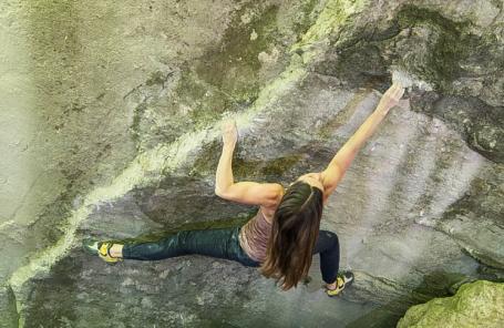 Kaddi Lehmann Sends V15, Second Woman to Climb The Grade